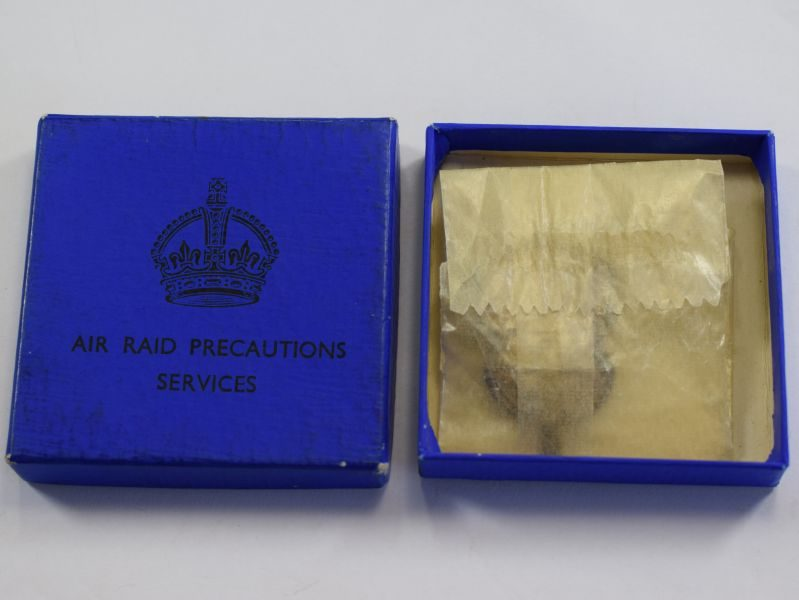 Late 1930s-Early WW2 ARP Woman's Pin Badge & Issue Box Blue