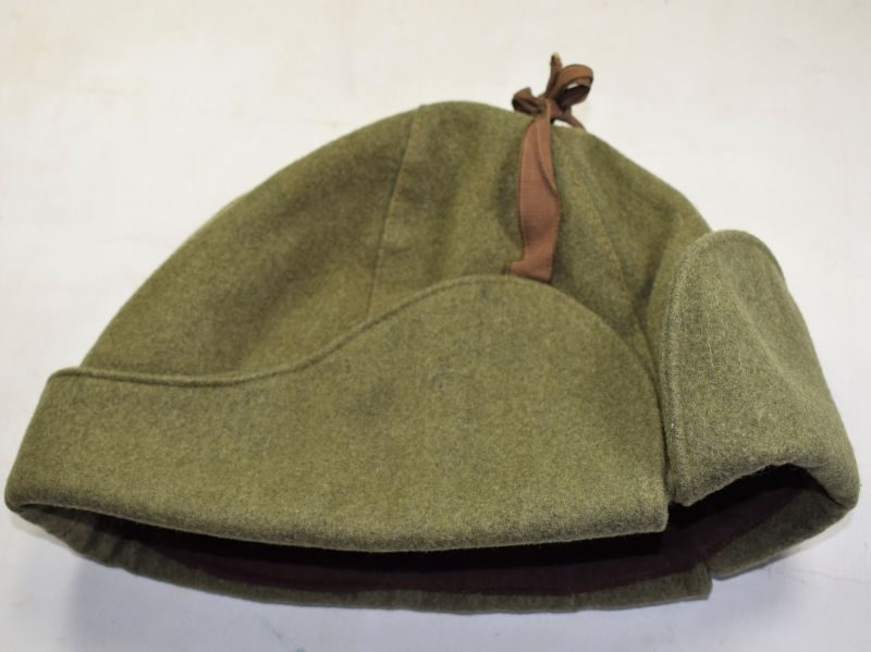 Excellent Original WW2 Canadian Cold Weather Cap in a Large Size & Dated 1943