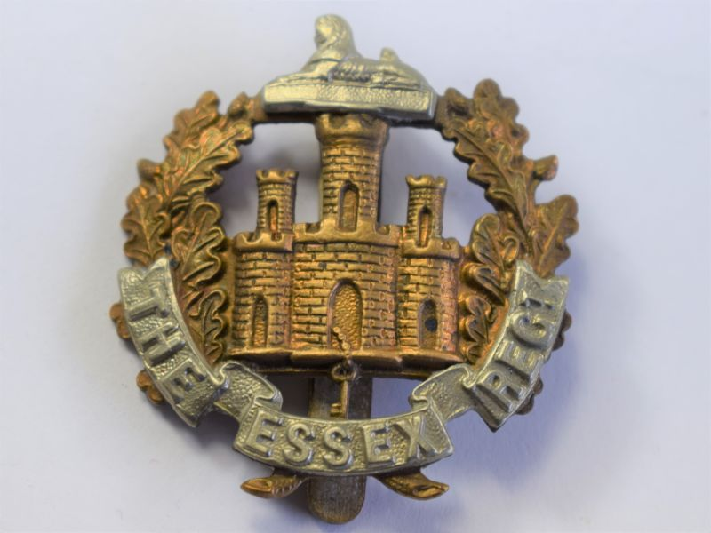 12 Original WW1 Essex Regiment Territorials Cap Badge