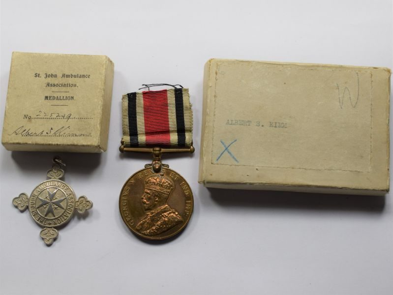 B5) Boxed GRV Police Medal & Silver St John Ambulance Medal Albert.S.Kim