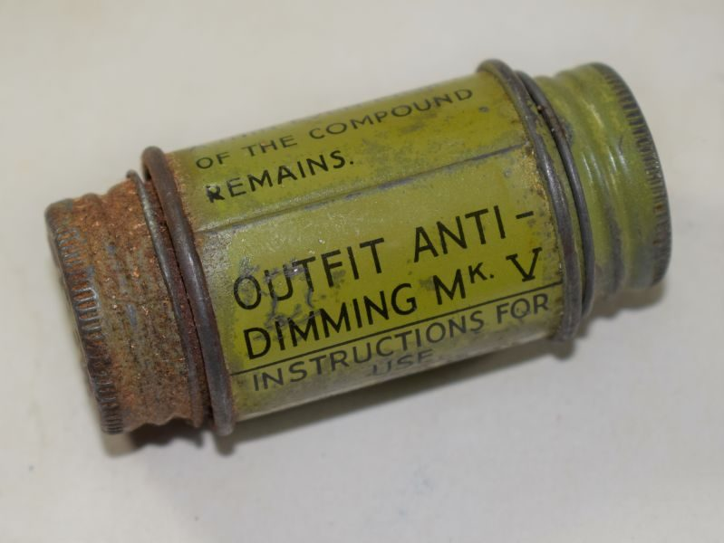 B8) Early WW2 British Outfit Anti-Dimming MkV 1937