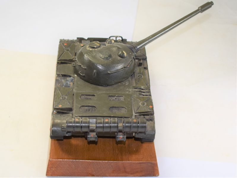 Beautifully Made All Metal Model of A Tank Russian T55??