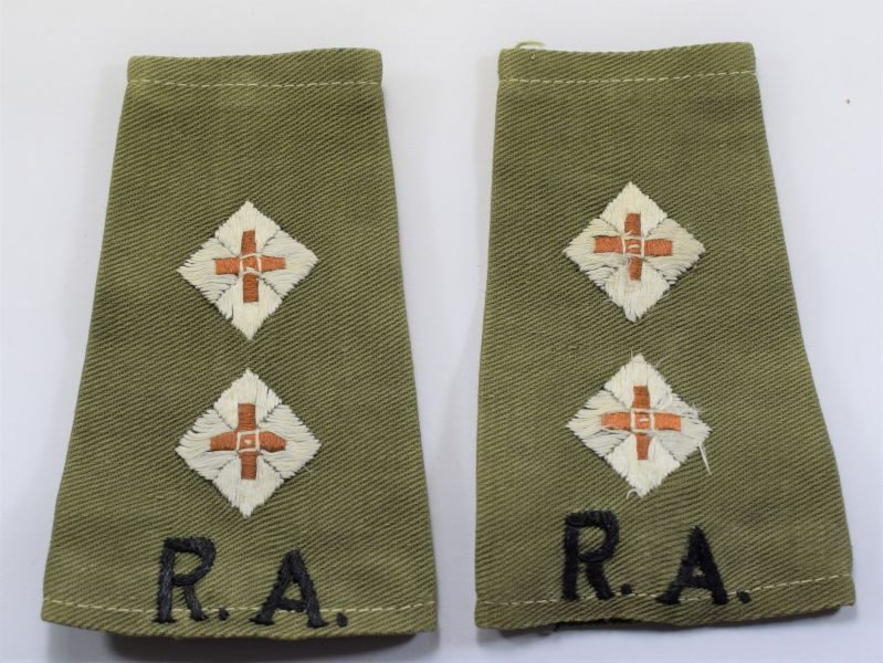 B15) Original WW2 RA Officers JG Rank Slides To A Lieutenant