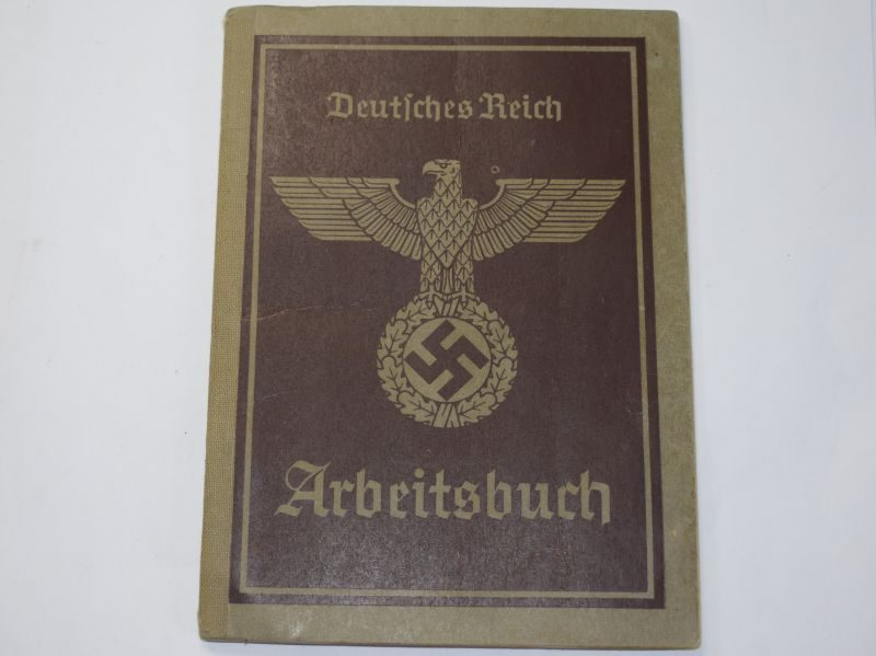 92 Excellent Original WW2 German Arbeitsbuch Full of Info