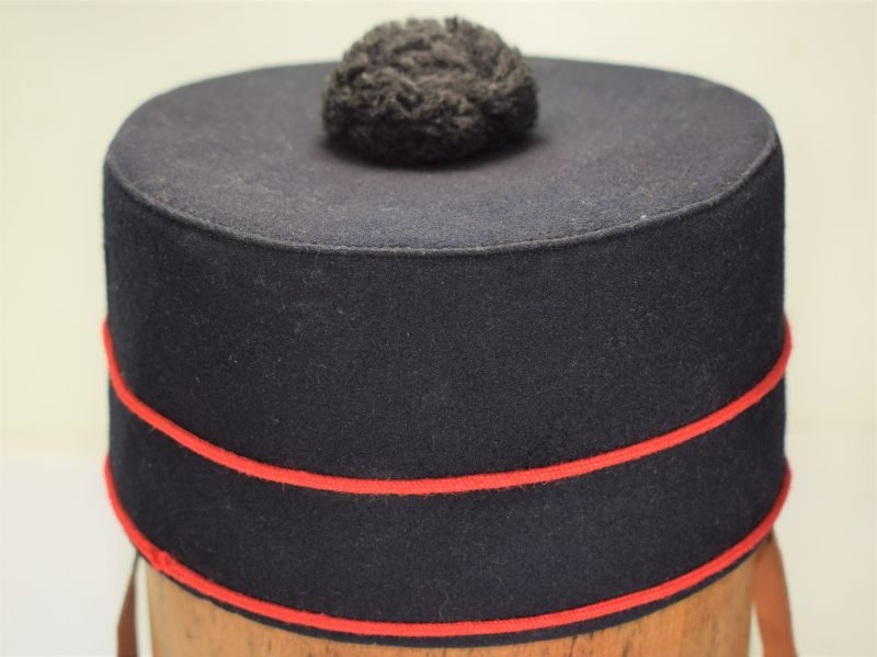 B52) Excellent Original WW2 British Army Gurkha Pill Box Hat Dated 1940
