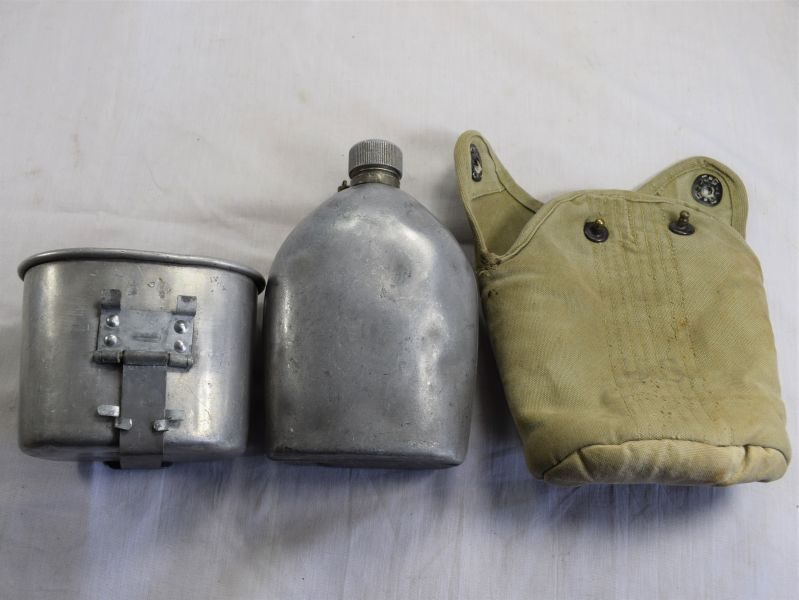 Excellent Original WW1 US Army Water Bottle, Cup & Cover 1918