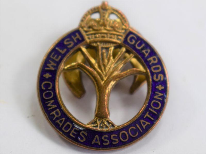 29) Excellent WW1 WW2 Enameled Welsh Guards Comrades Association Lapel Badge
