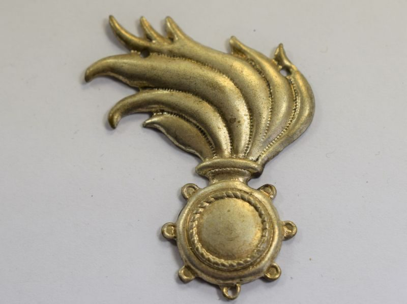 38) Original WW2 Italian Flaming Grenade Sew On Cap Badge