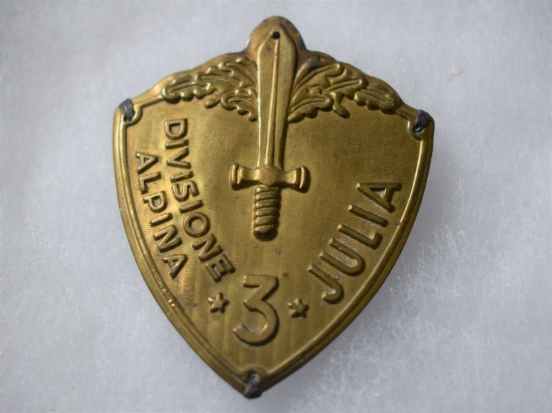 R) Very Nice Original WW2 3 Divisione Alpina Julia Sew on Metal Badge with Added Pin Fitting