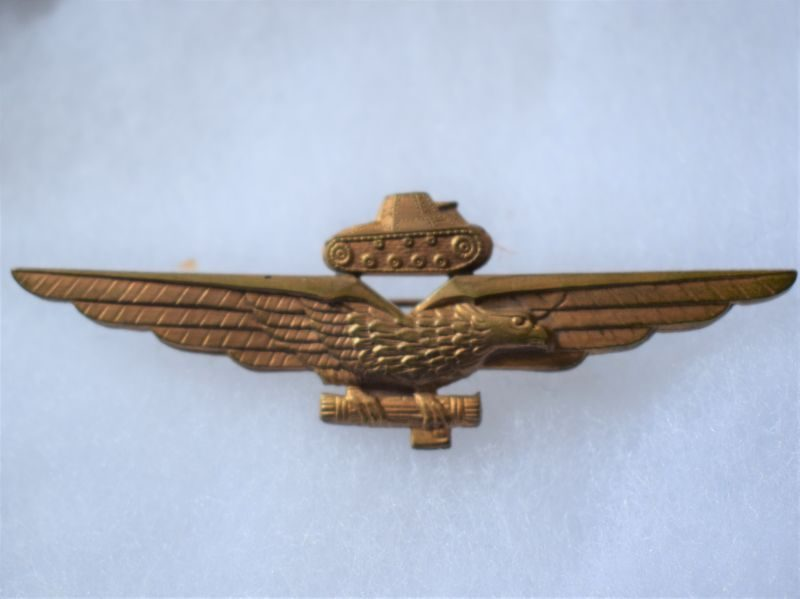 T) Excellent Original WW2 Fascist Italian Tank Pilot Pin Back Wing