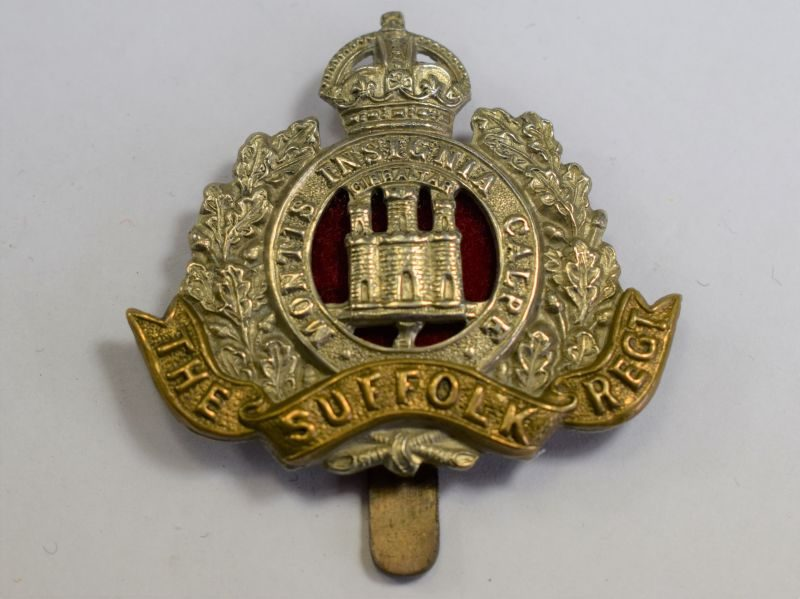 77) Original WW1 WW2 Cap Badge The Suffolk Regiment