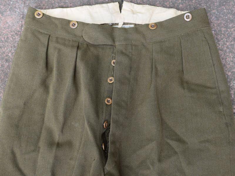 93) Original WW2 British Officers Service Dress Uniform E J