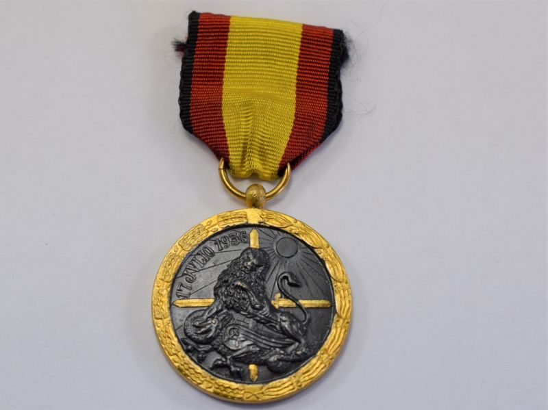 97) Original Spanish Civil War Campaign Medal