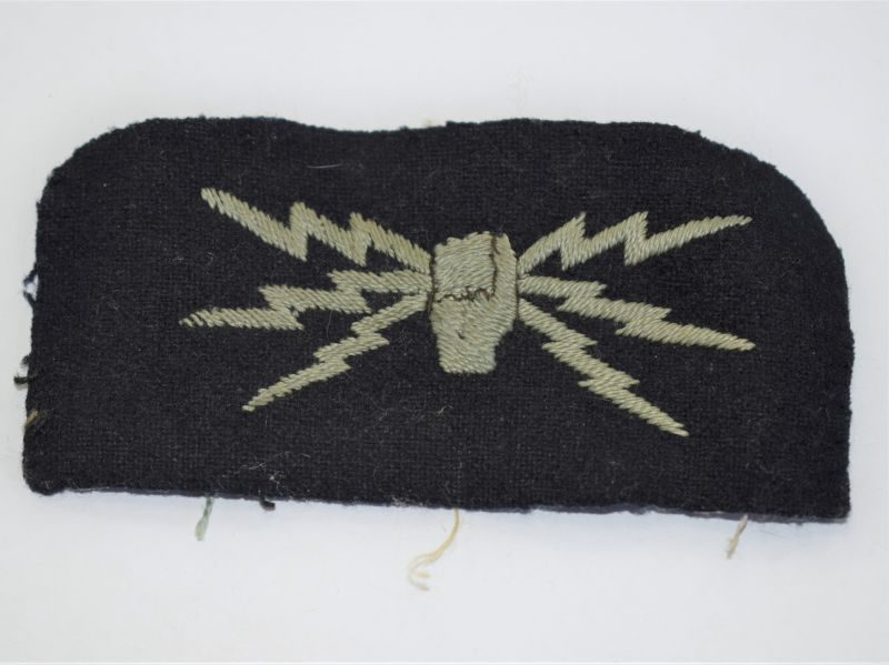23) Original WW2 RAF Wireless Operators Uniform Removed Cloth Badge