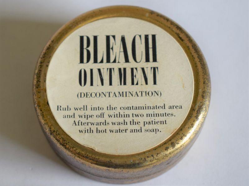 47) Original WW2 Anti-Gas Tin of Bleach Ointment Decontamination