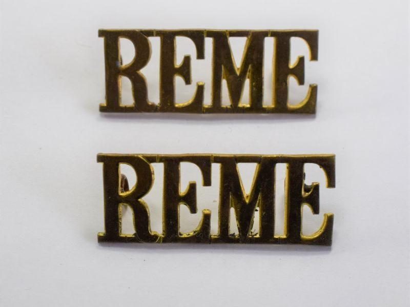 83) Original WW2 REME Brass Shoulder Title Pair