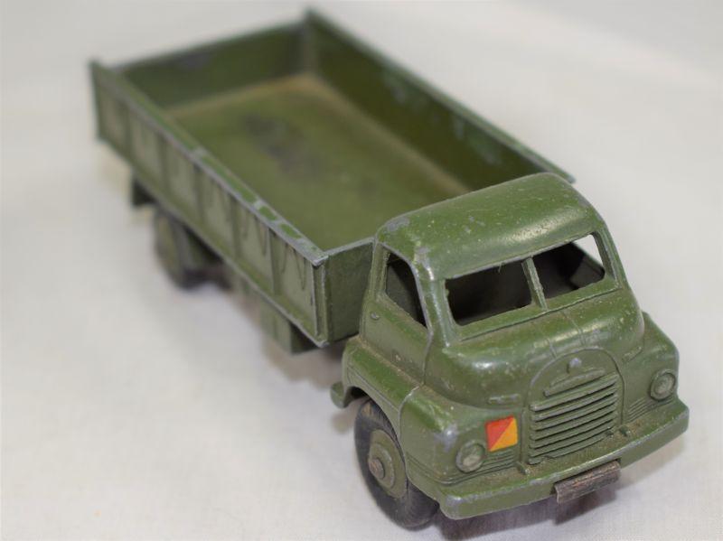 74) 1950s Dinky Toys 621, 3 Ton Army Wagon