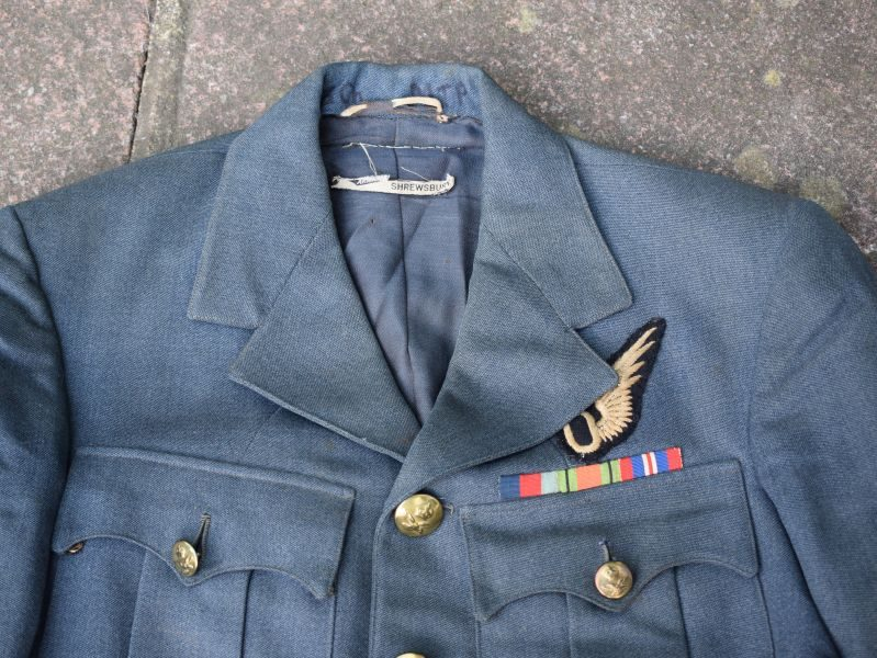 1) Very Nice Original WW2 RAF Observers Service Dress Tunic Flight Lieutenant