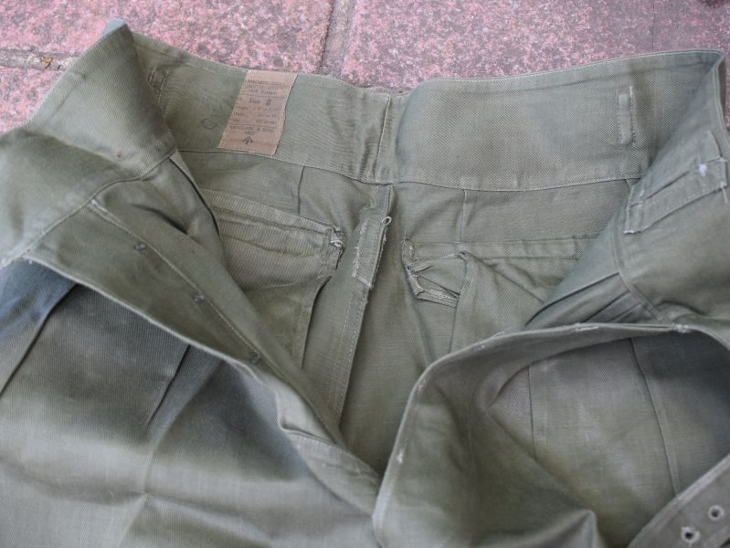 26) Excellent British Army Issue 1950 Pattern Shorts Drill Green 1952
