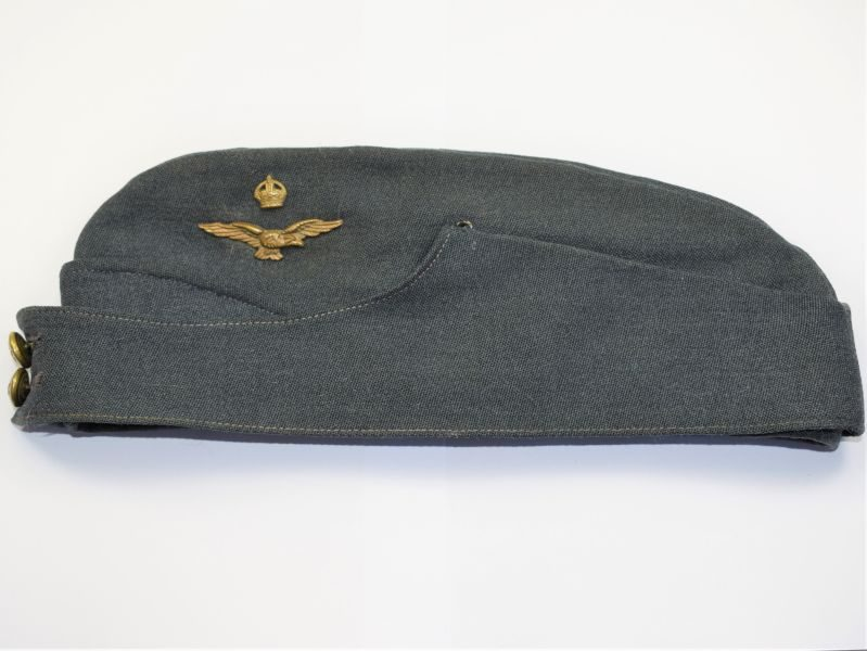 44) Excellent Original WW2 RAF Officers Field Service Cap & 2 Part Badge