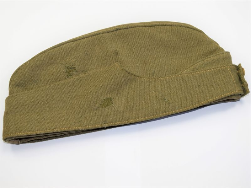 46) WW2 British Army Herefordshire Regiment Officers Field Service Cap & Badge