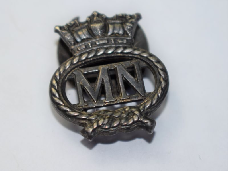 44) WW1 WW2 Merchant Navy Lapel Badge
