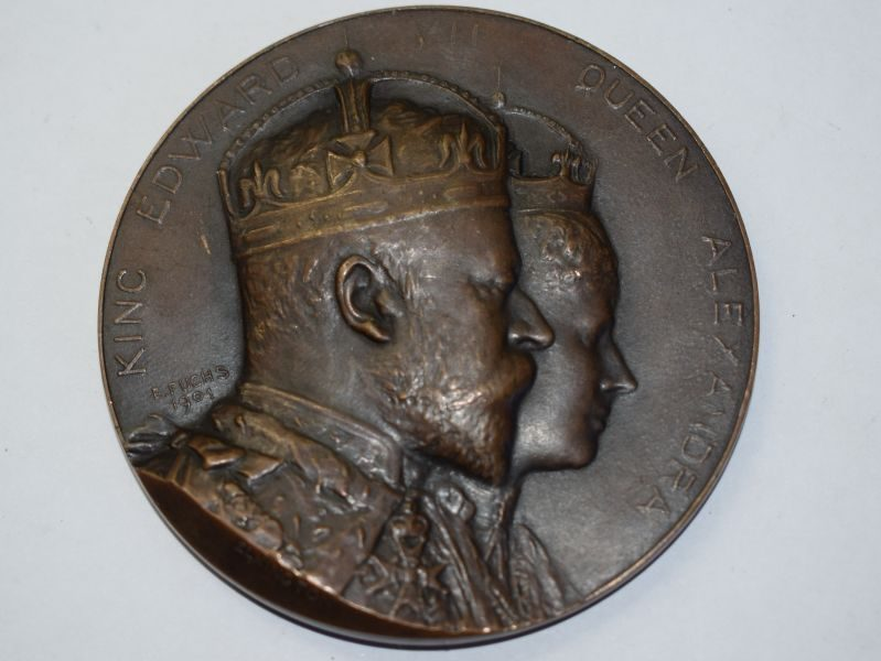 48) Lovely Large Commemorative Coin Coronation King Edward VII 1902