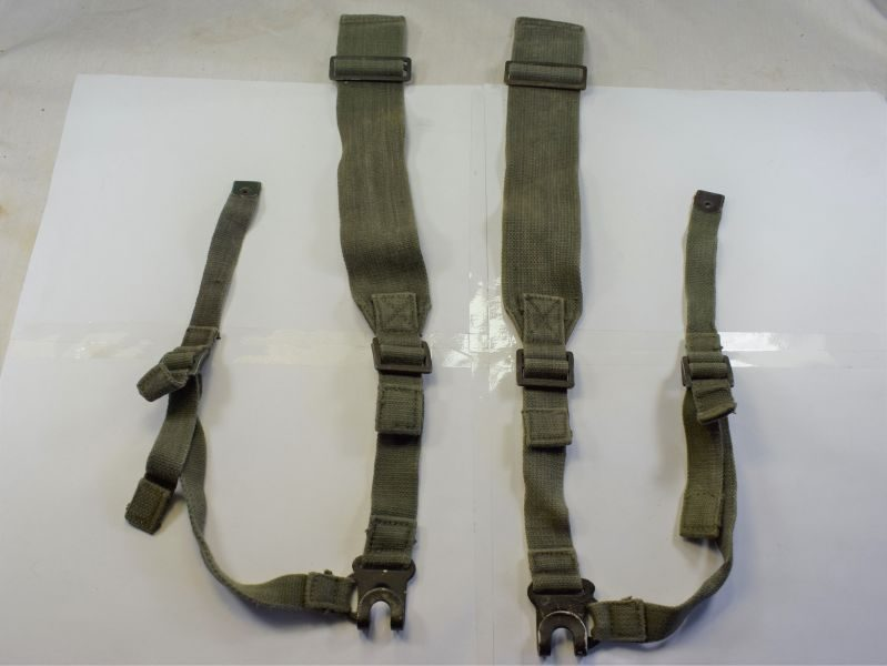 66) 1944 Pattern Webbing L-Straps Matching Right & Left MHG 1945