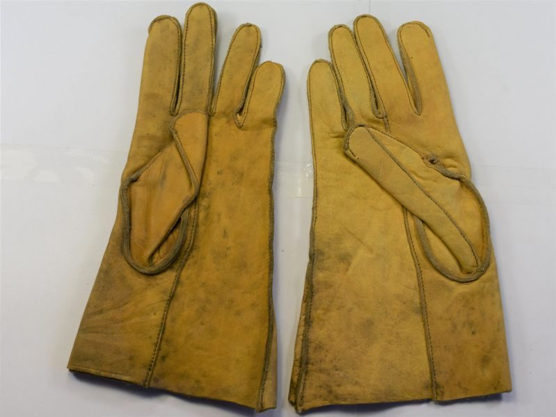 72) WW2 British ATS, FANY etc Leather Drivers Gloves