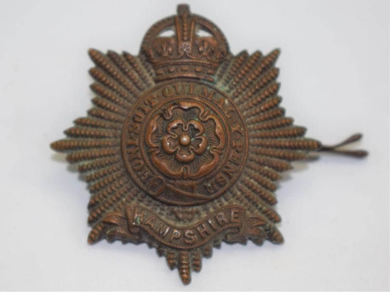 6) Original WW1 Officers Bronze Cap Badge to The Hampshire regiment