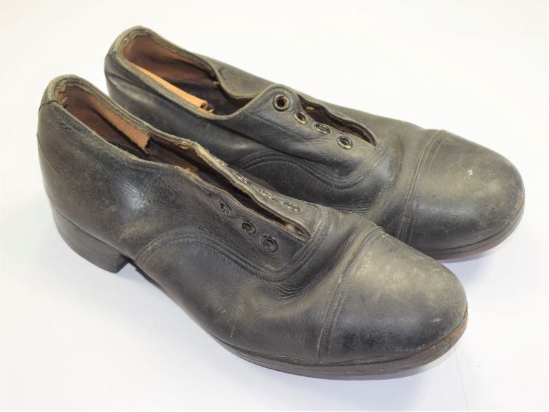 Unusual WW2 WAAF, WRNS Etc Woman's Shoes 1943