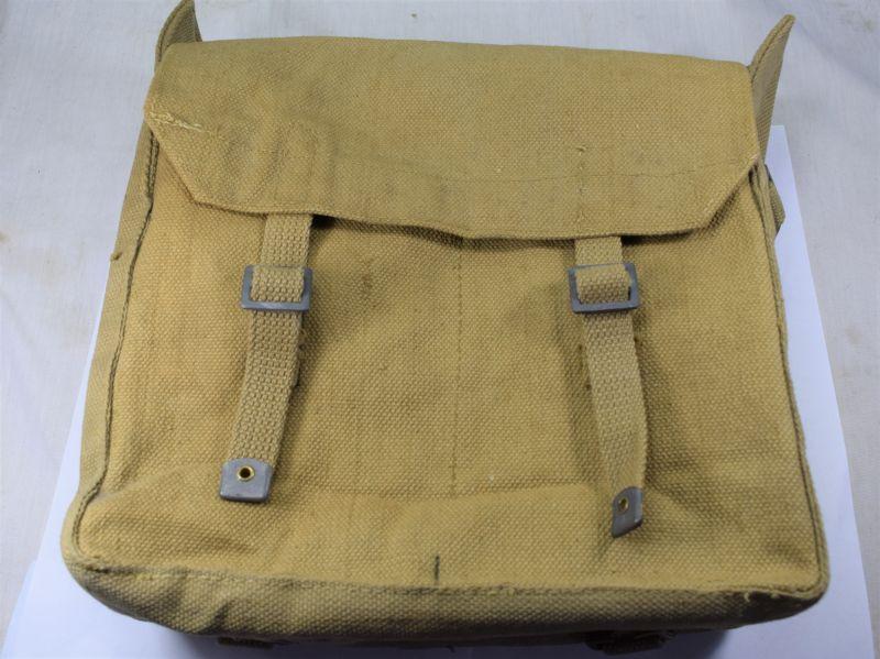 A12) Mint Unissued WW2 British Army Small Pack BHG Ltd 1943