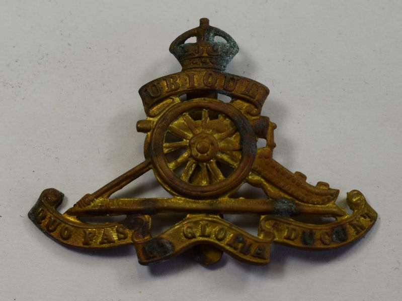 50) Original WW1 WW2 Royal Artillery Brass Cap Badge