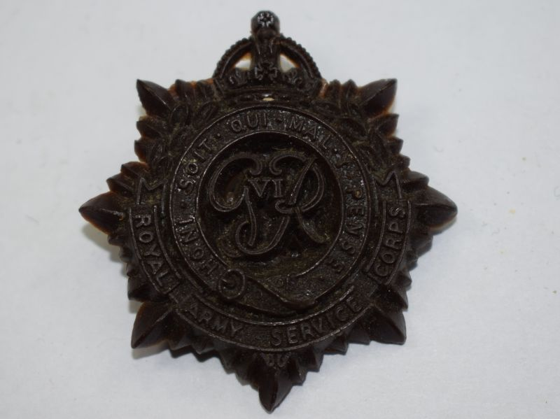 52) Original WW2 RASC Bakelite/Plastic Cap Badge