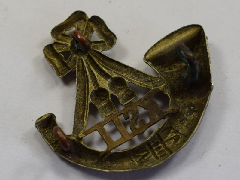 53) Original WW1 WW2 Kings Shropshire Light Infantry Cap badge