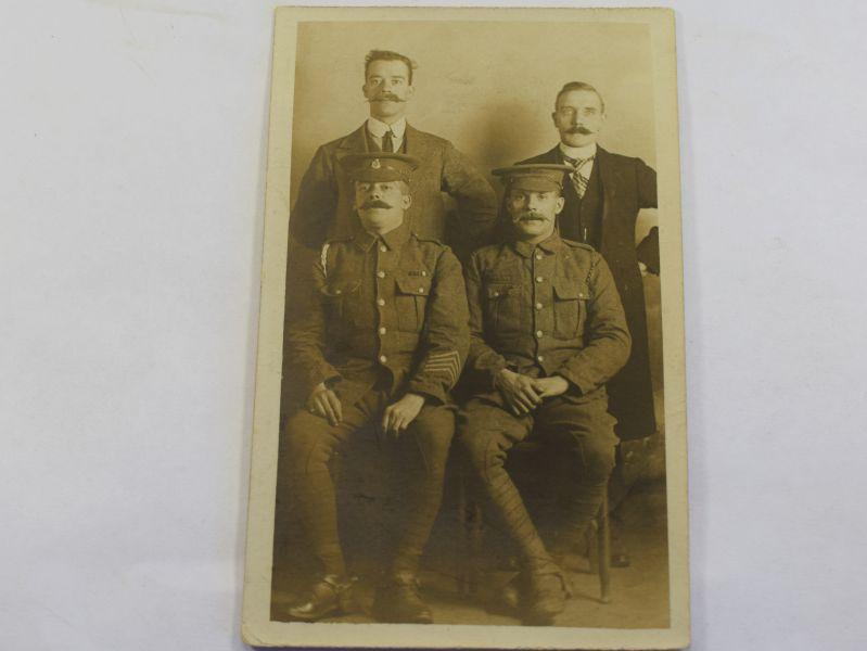 M) Original WW1 Portrait Photo of 2 Soldiers & 2 Civilians