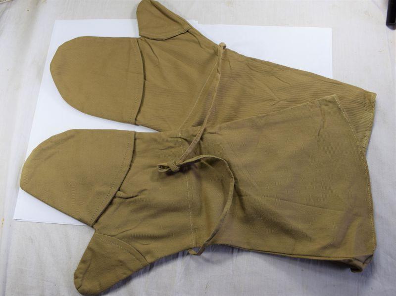 Unusual WW2 Heavy Duty Khaki Cotton Mittens With Fold Back Fingers 1943