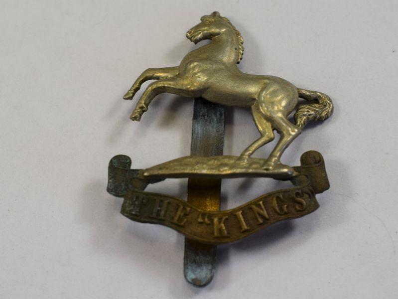 84) Excellent Original WW1 The Kings Liverpool Regt Cap Badge