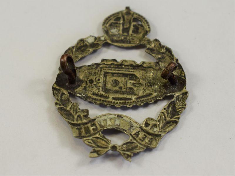 89) Original WW2 Royal Tank Regiment Cap Badge