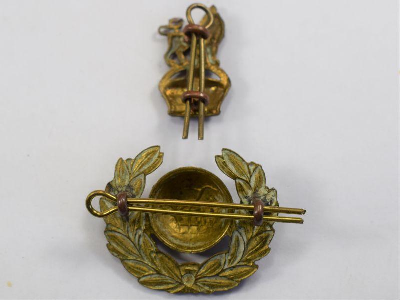 91) Original WW2 Royal Marines 2 Piece Cap Badge