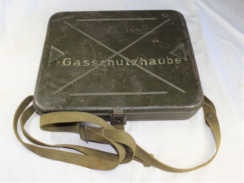 Interesting Original WW2 German Gasschutzhaube Case For Wounded Soldiers Respirator