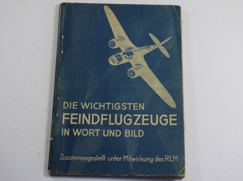 16) Original WW2 German Enemy Aircraft ID Booklet in Words & Pictures