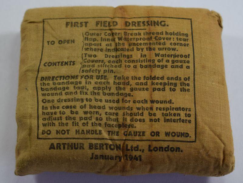 30) WW2 British Army First Field Dressing 1941