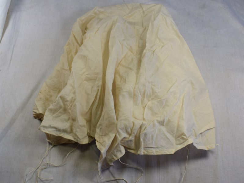 "41) WW2 British Small Parachute 30"" Mark 1 1942 Illuminating Flare?"