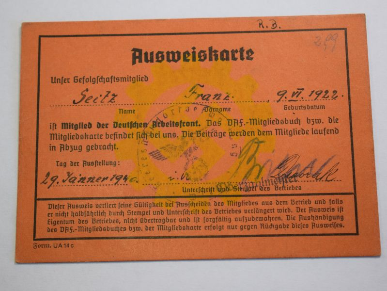 49) Original WW2 German DAF Members ID Card 1940