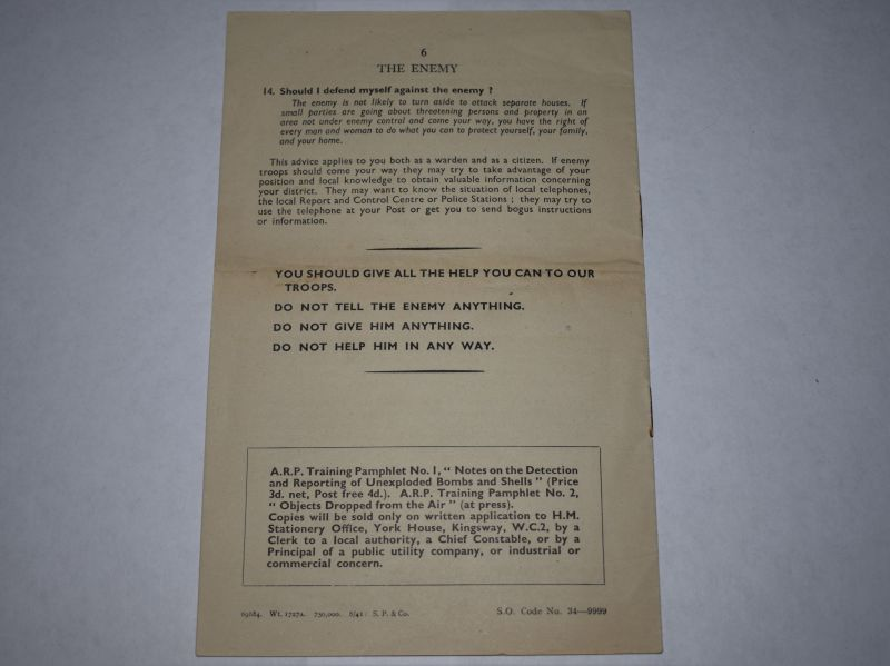 61) Original WW2 ARP Wardens Training Pamphlet Advising Public In Event Of Invasion