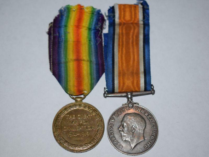 66) Original WW1 Full Size Medal Pair 135686 Pte F.A.Barlow RAMC