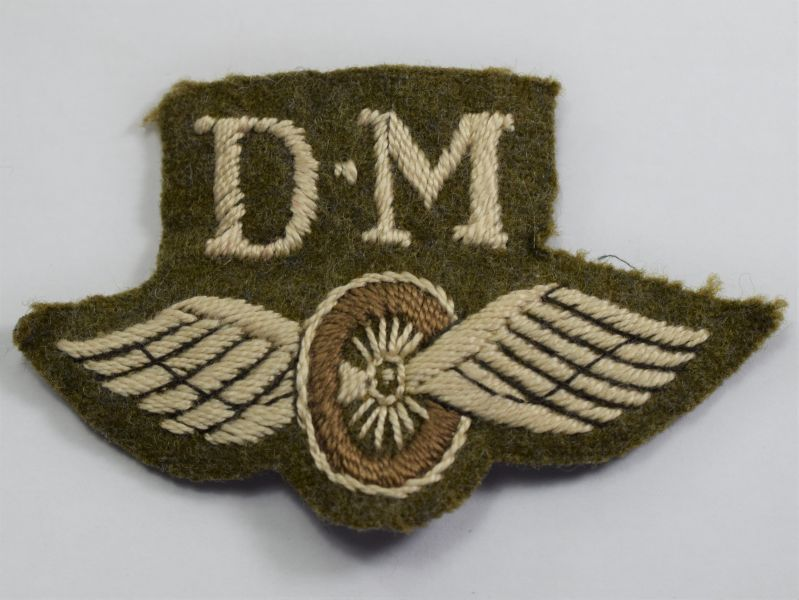 94) Original WW2 British Army Driver Mechanic Cloth Trade badge