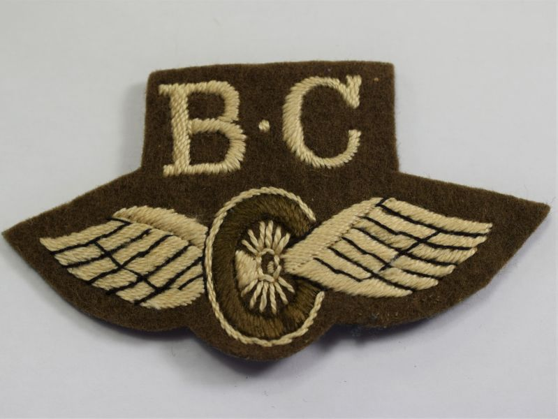 95) Original WW2 British Army Bren Gun Carrier Driver Cloth Trade badge