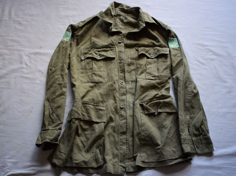 92) Post WW2 British Army Officers JG Bush Jacket Singapore District Insignia